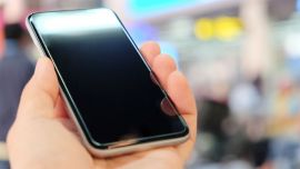 自投3亿美元建显示屏工厂,苹果向屏幕供应商示威?