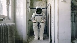 """美国计划重返月球,NASA重金征集""""月球厕所""""设计"""