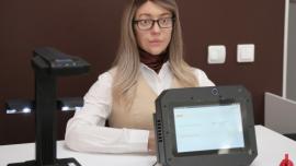 """俄罗斯首个机器人美女职员上岗,""""机器人时代""""真的要来了?"""