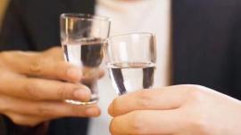 从年终狂欢到新年猛涨,茅台等白酒股接着奏乐接着舞?