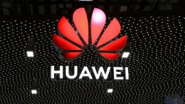 华为再公开四项手机摄像头设计专利!网友:挑战审美下限